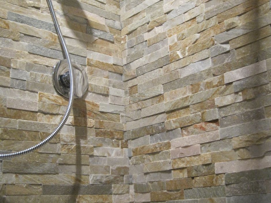 Rivestimento in pietra naturale st03 st014 multicolor - Rivestimento doccia in pietra ...